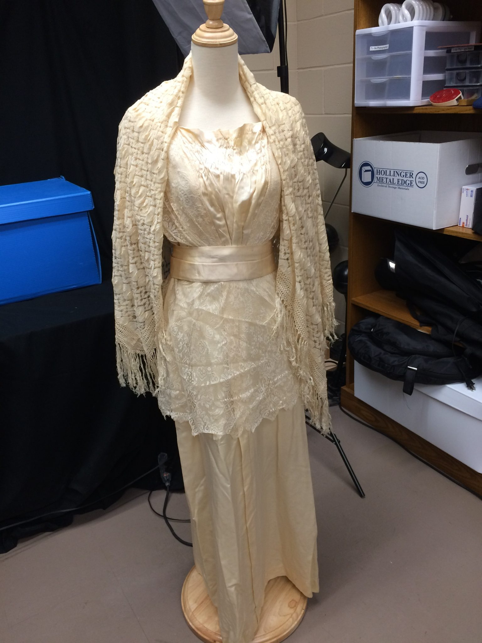 wedding dress dated from 1911